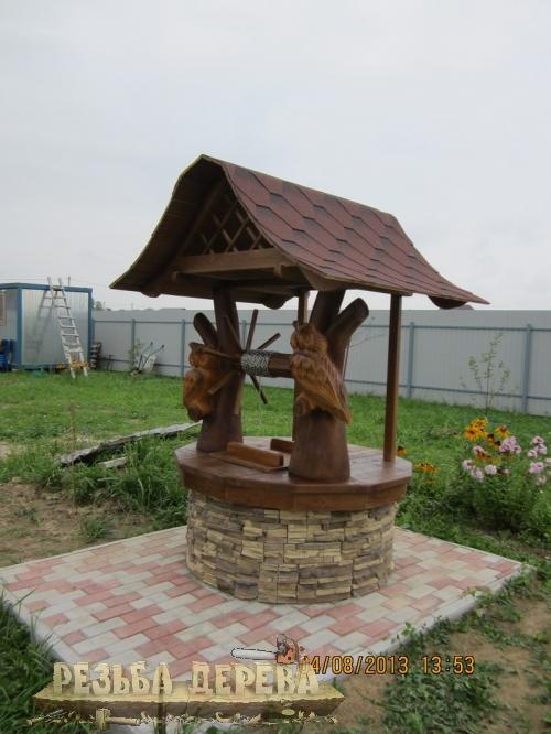 Колодезный домик с мудрыми совами
