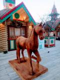 Деревянный резной конь. | Фестивальная площадка на Святоозерской улице. Москва, Косино-Ухтомское.