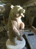 Удивлённый деревянный медведь | Садовая деревянная скульптура