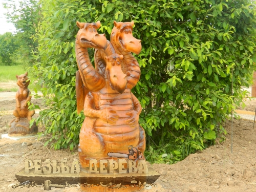Горыныч из дерева в городе Переславль-Залесский
