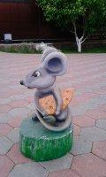 Мышка с сыром - скульптура из дерева | Персонажи сказок и мультиков