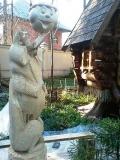 садовая фигура из дерева лиса и колобок | Садовая деревянная скульптура