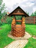 Колодец с деревянными скульптурами | Домик для колодца