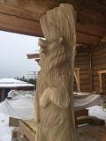 Клыкастый медведь в роли опорного столба | Садовая деревянная скульптура