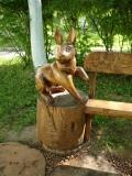 садовая фигурка заяц | Садовая деревянная скульптура