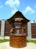 Колодезный домик из дерева с бобрами | Колодезный домик