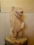 Весёлый медвежонок из дерева | Садовая деревянная скульптура