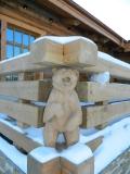 Медведь в углу забора | Скульптуры