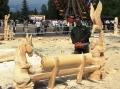 Почти готовая скамейка со скульптурами животных | Резьба бензопилой - фестивали, запиловки