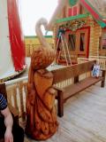 Деревянная жар птица. | Фестивальная площадка на Святоозерской улице. Москва, Косино-Ухтомское.
