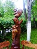 деревянная фигурка белочка и птичка | Садовая деревянная скульптура