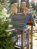 Малыш и Карлсон на крыше | Детские городки