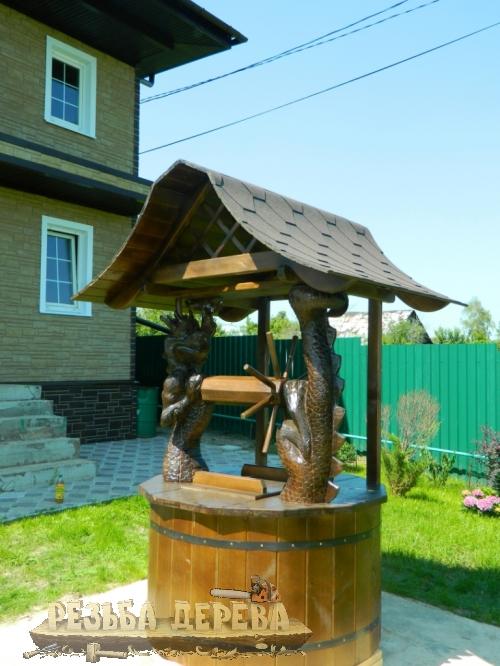 Колодезный домик в восточном стиле с драконом