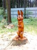 Заяц на пеньке из пенька от дерева | Скульптура на корню