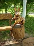 Заяц на скамеечке в Измайлово | Измайловский парк