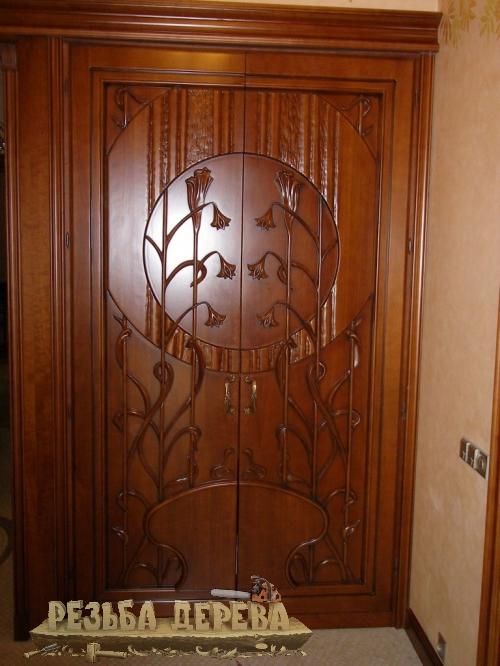 Дверки шкафа, плосковыемчатая резьба. Бук.