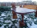 Деревянный садовый столик со скульптурами | Мебель для парка, дачи и сада из дерева