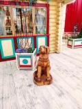 Резная собака из дерева. | Фестивальная площадка на Святоозерской улице. Москва, Косино-Ухтомское.