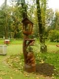 Резная кормушка в парке Измайлово | Измайловский парк
