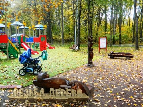 Деревянные резные изделия в парке Измайлово