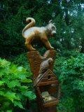 Кормушки для птиц и белок из дерева хитрый котёнок | Кормушки для птиц
