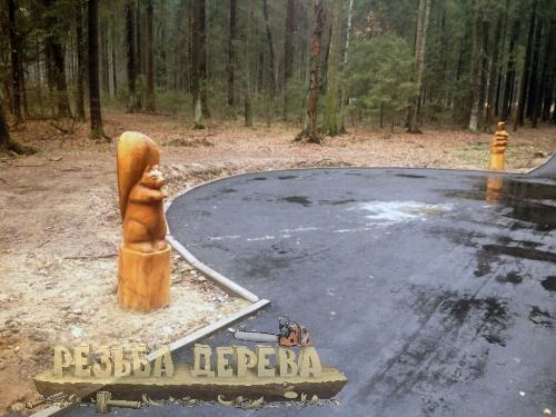 Скульптуры из дерева в Крюковском лесопарке